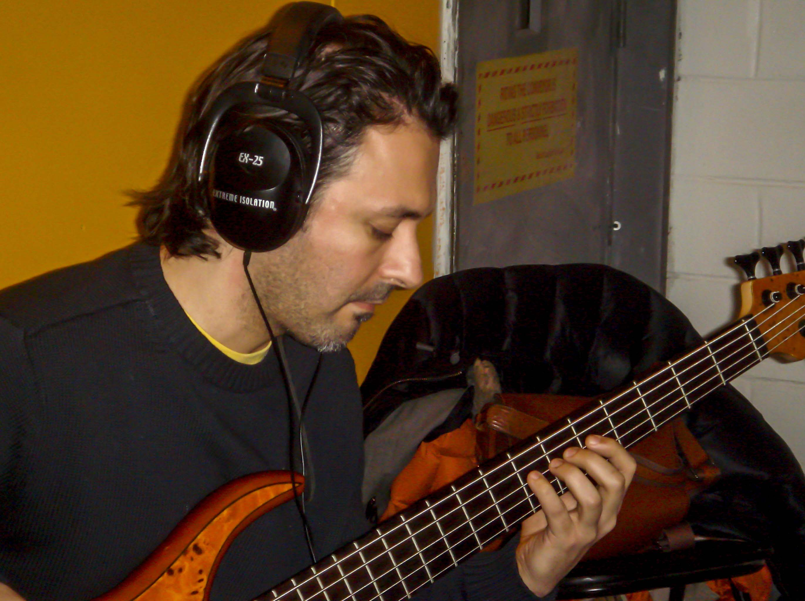 Ariel Tracking Bass With Sineparade